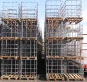 IBC Gitterboxen auf Holzpalette - FUSTI/Schütz